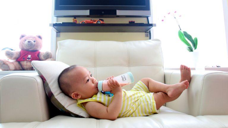 bebe biberon