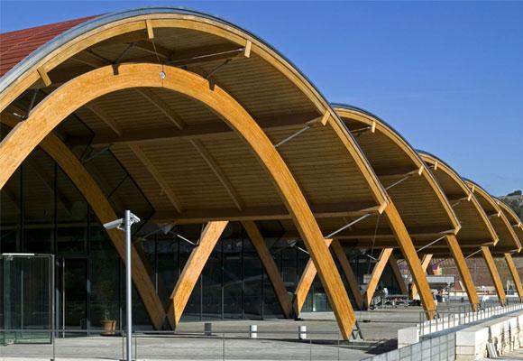 Los arcos de madera laminada the luxonomist - Cubiertas de madera laminada ...