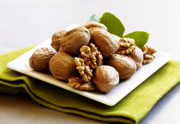 Walnuts May Help Slow Colon Cancer Growth The Luxonomist