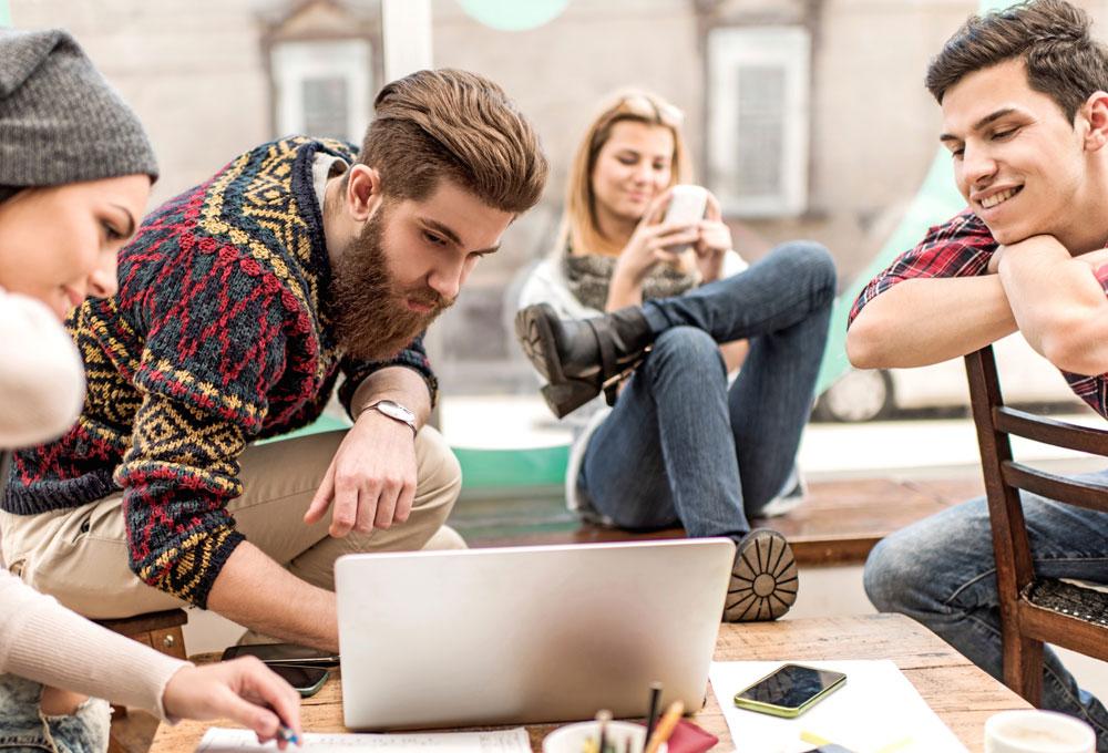 Millennials: más apps y menos ads | The Luxonomist - Lujo, economía, moda, lifestyle... theluxonomist.es1000 × 680Search by image Para los próximos 10 años por lo menos, está comprobado que el segmento de mercado al que las marcas de lujo deben poner el máximo de atención son los millennials, puesto que están obligando...