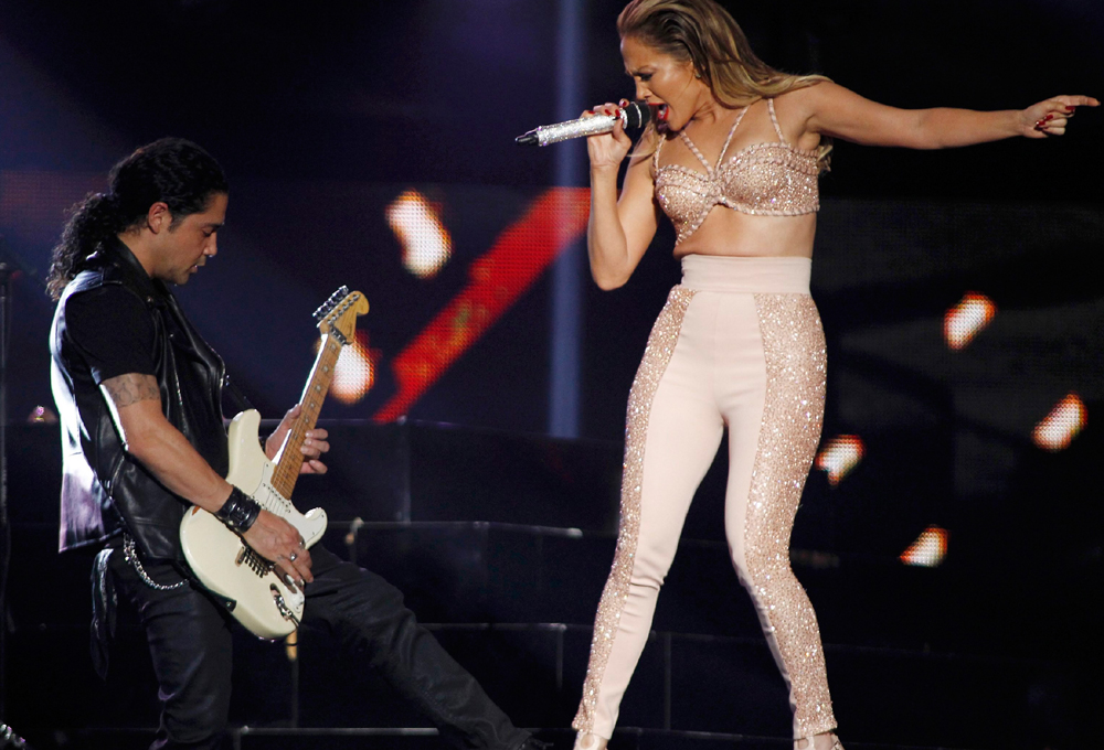 Image: Singer Jennifer Lopez performs at the 2015 Latin Billboard Awards in Coral Gables