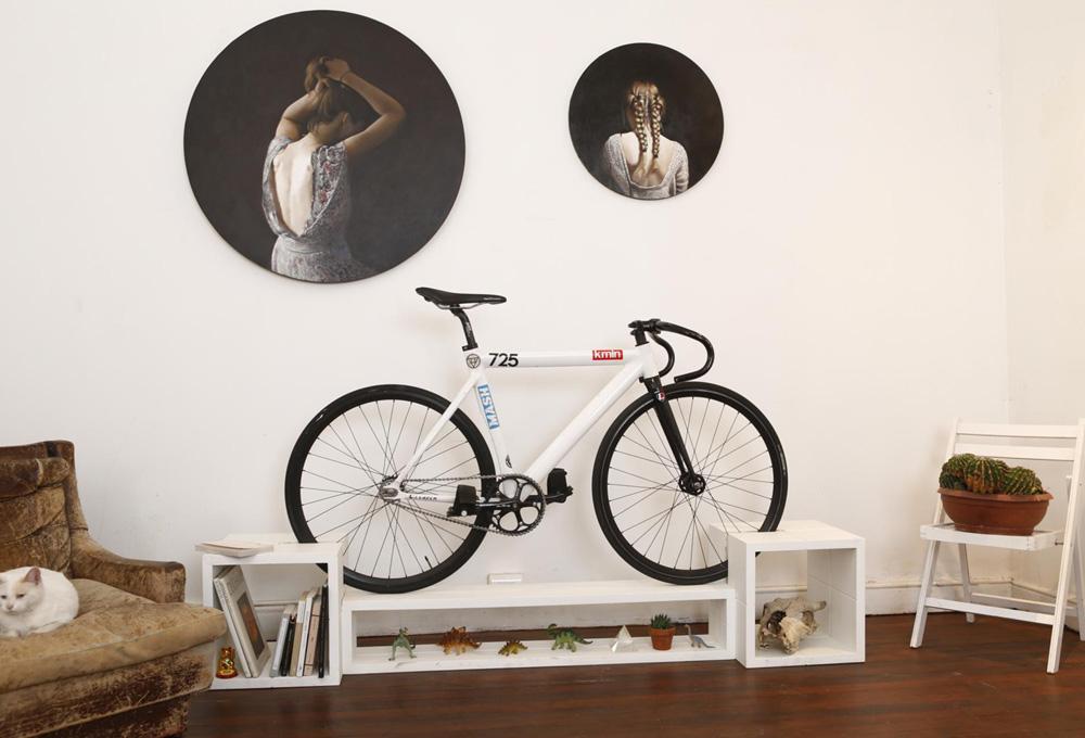 Muebles para guardar la bici en casa the luxonomist for Muebles para almacenar