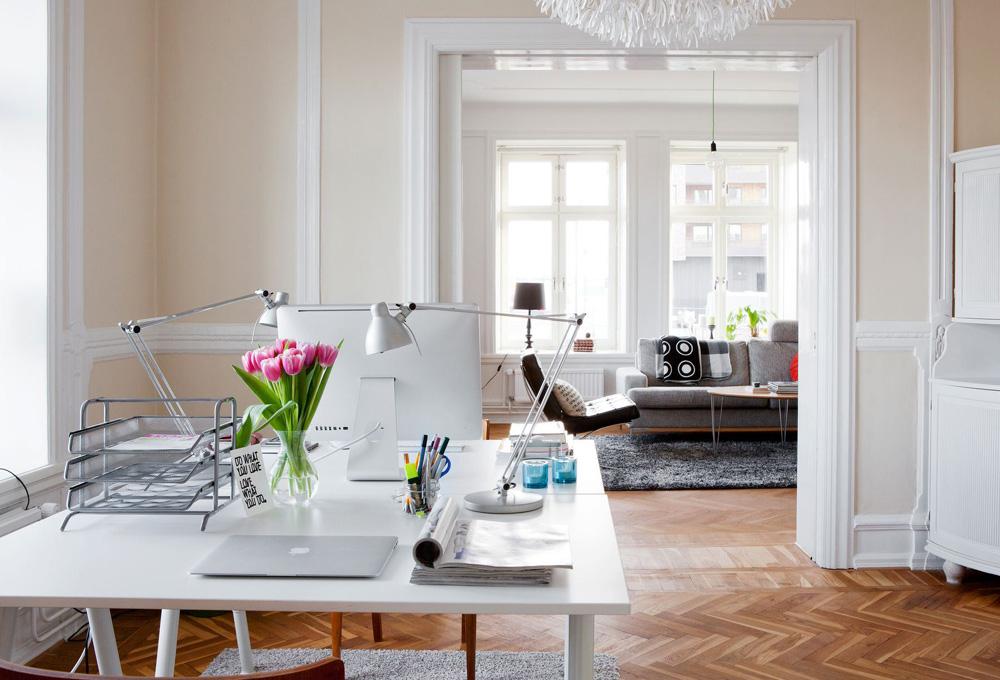 Un despacho en casa para conciliar the luxonomist - Decoracion despachos en casa ...