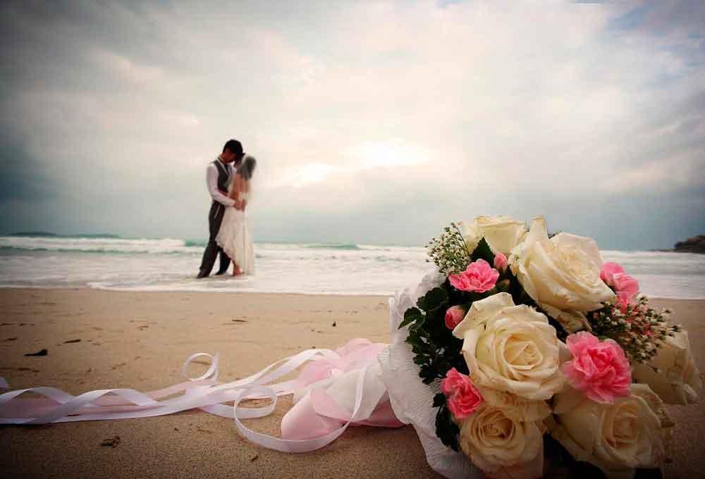 Matrimonio Simbolico En La Playa : Tips para ir perfecta a una boda en la playa the luxonomist