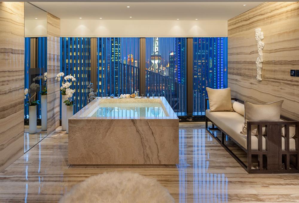 Los 10 baños de hotel más grandes del mundo - The Luxonomist