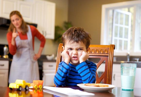 desobediencia infantil f