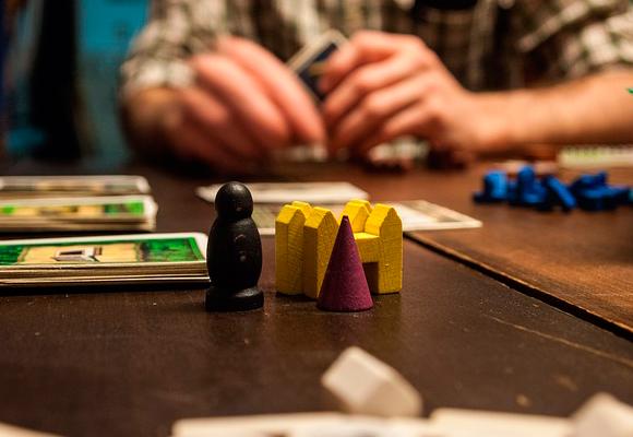 Los Juegos Mas Divertidos Para Bordar Las Sobremesas Navidenas