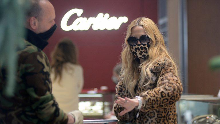 Designer Rachel Zoe shopping at Cartier store in Aspen Colorado