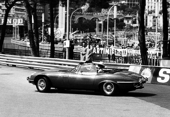 Grace Kelly y Rainiero de Mónaco en Jaguar