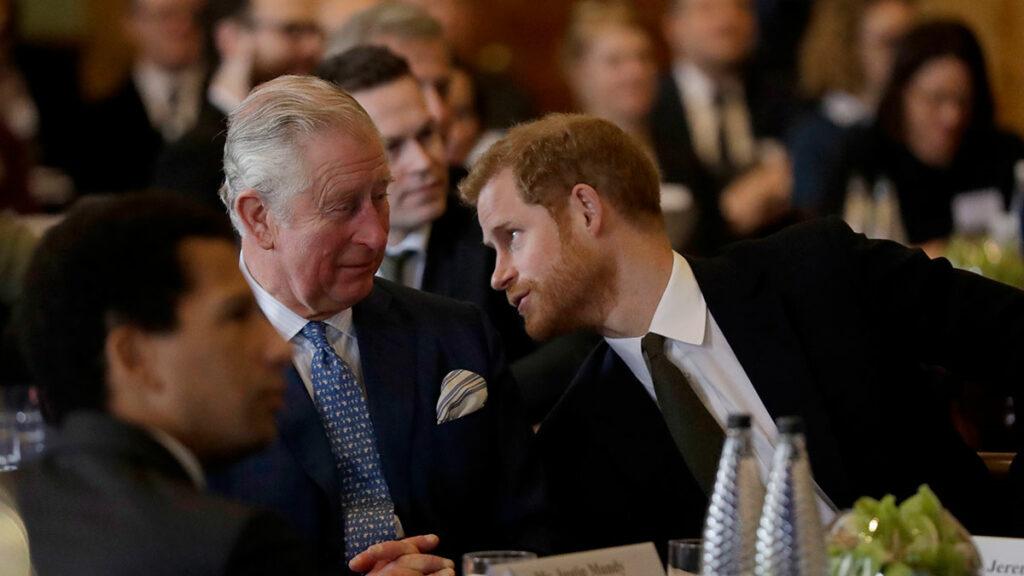 Principe Carlos y Harry