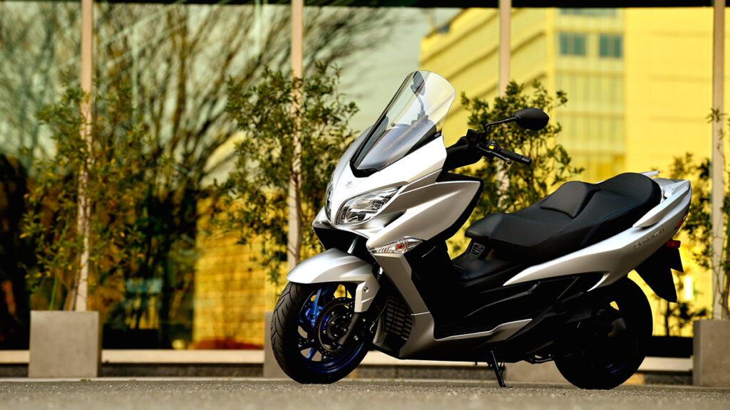 scooter Burgman 400